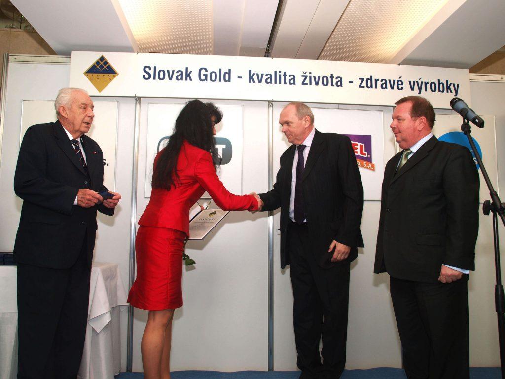 Predĺženie spoločného certifikátu Slovak Gold so spoločnosťou Natures,s.r.o. za výrobok Glukánky v roku 2012